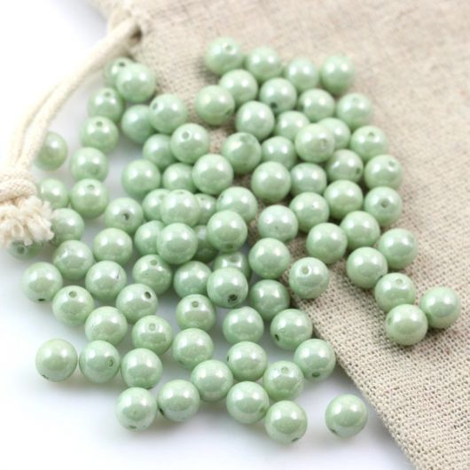 Round Beads Lustered Chalk White Mint Luster 6mm [10szt]